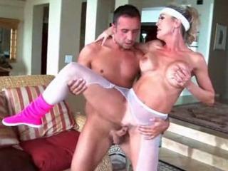 Brandi Love baise son prof de fitness