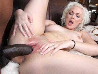 Baise interraciale avec la blonde Jenna Ivory