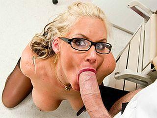 Docteur encule sa patiente au cabinet