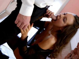 Sexe passionnel avec la jeune bombe Gina Russell